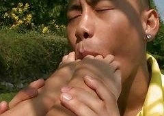 Cindy Hope worshipping foot sex outdoor